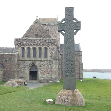 Iona Abbey, Sept. 2014 with St. Martin's Cross